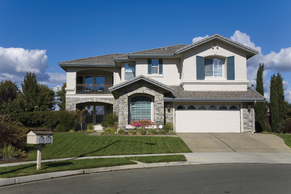 CHOOSING A GARAGE DOOR – THE 4 MOST IMPORTANT THINGS TO CONSIDER