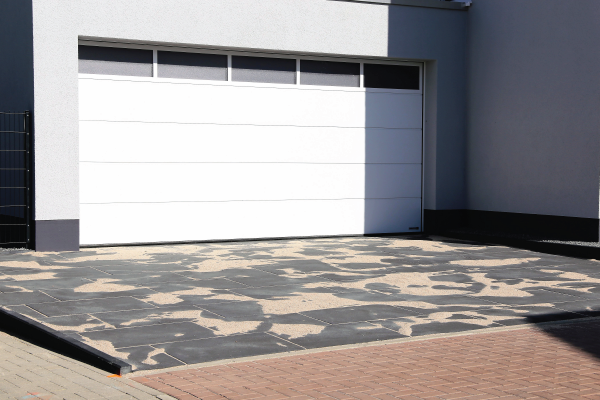 SINGLE PANEL V SECTIONAL GARAGE DOORS